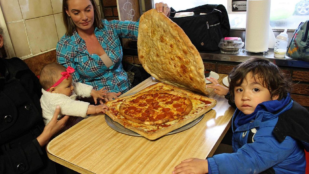 Pizza box made out of pizza pleases tree-huggers, carb-lovers alike