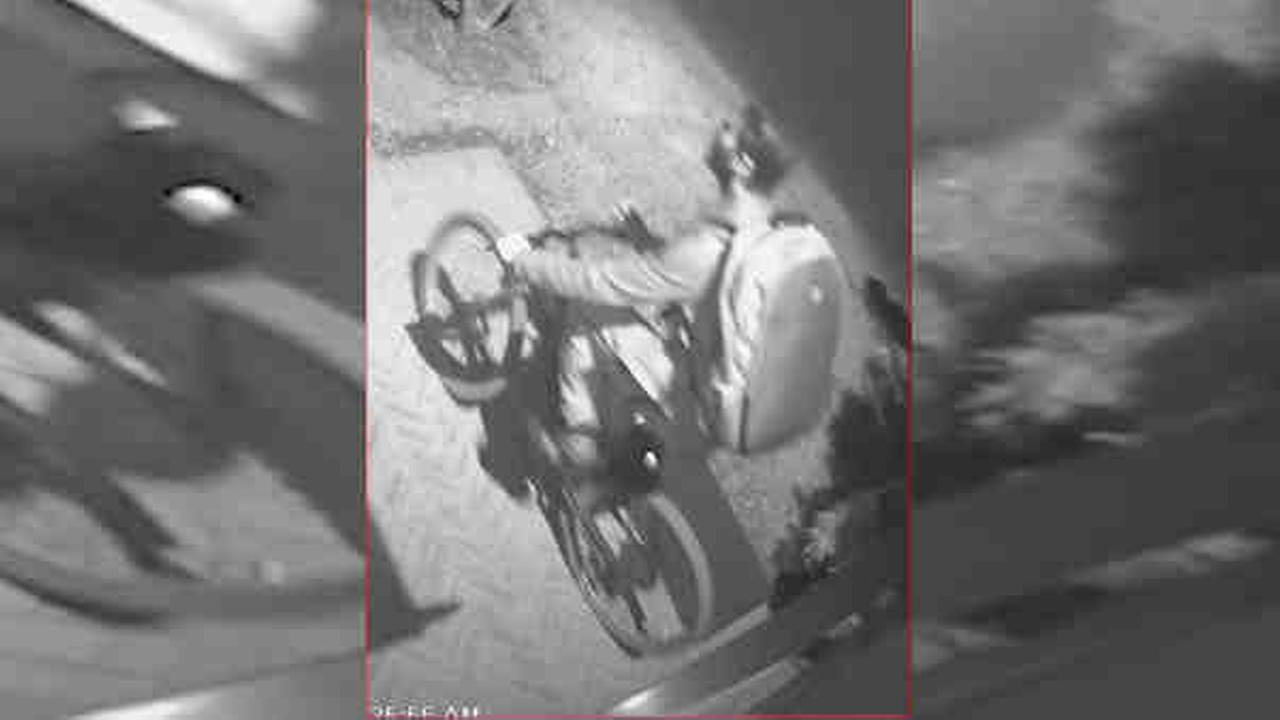 Police: Thieves take $30,000 in jewelry, escape on bikes