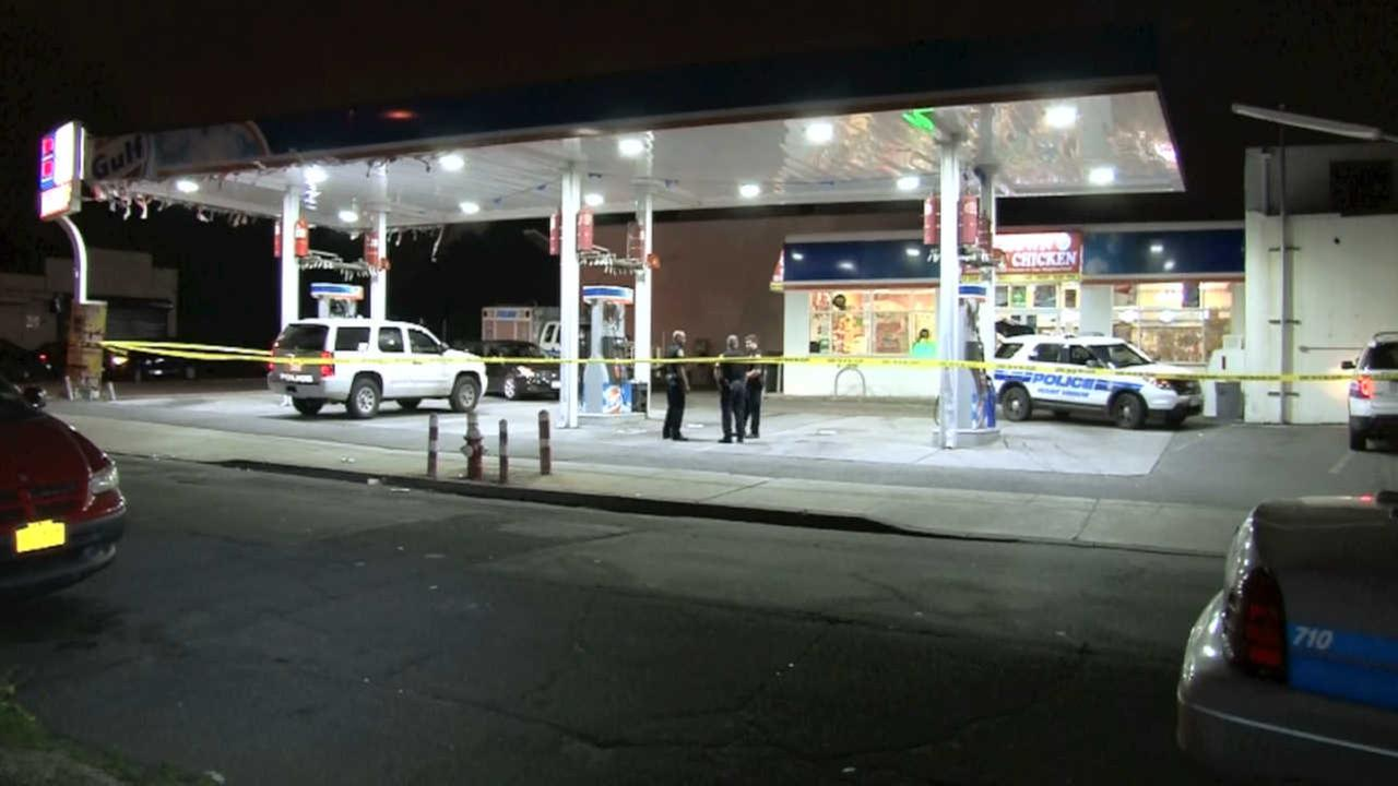 Gas station attendant shot in stomach in Mount Vernon