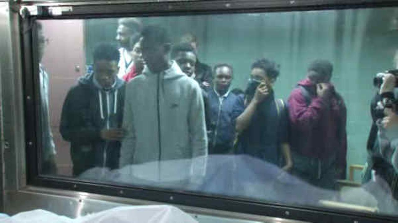 Program takes students inside hospital, morgue to show ...
