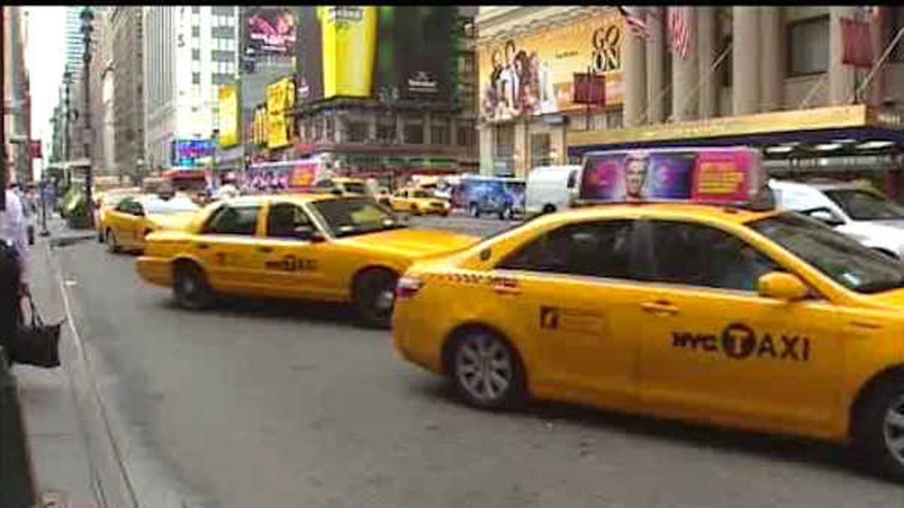 Cab driver allegedly strikes Manhattan pedestrian on purpose