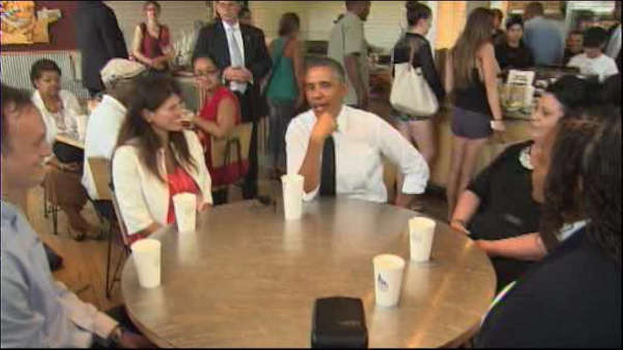 President Obama has lunch with working families, including mom from the Bronx