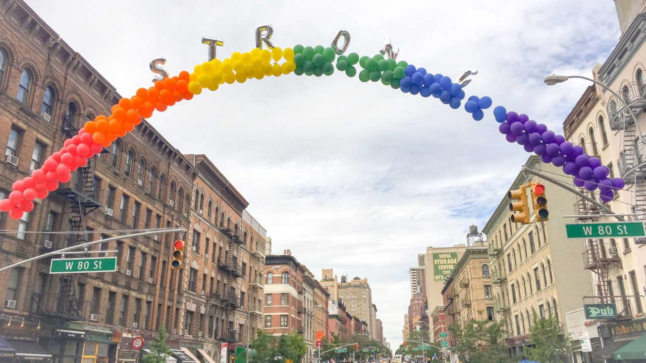 Upper West Side shows support for Orlando shooting victims with rainbow balloon arch