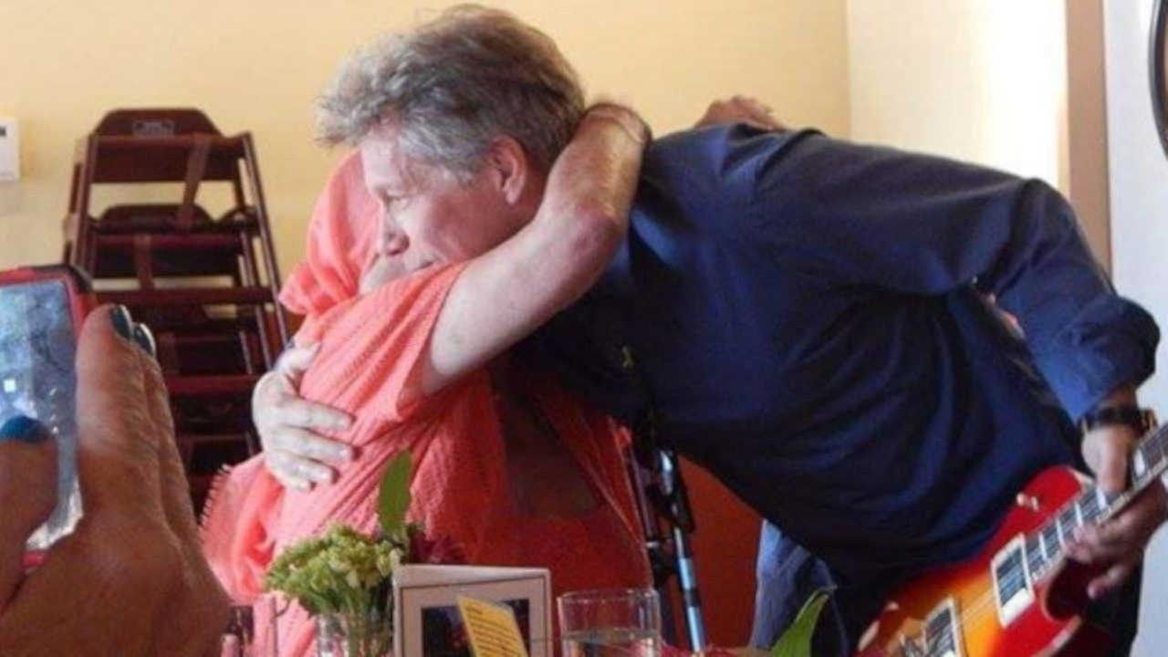 VIDEO: Bon Jovi pays surprise visit to fan battling lung cancer