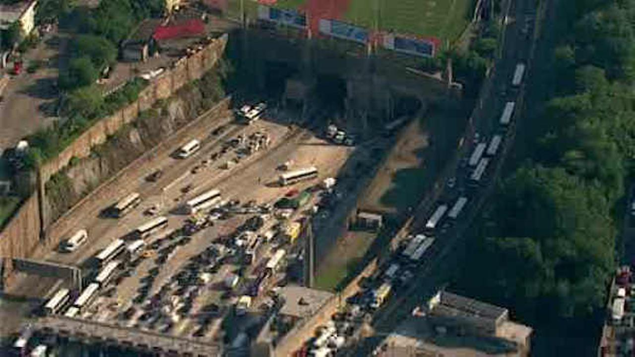 NJ Transit buses collide in Lincoln Tunnel, snarling AM commute