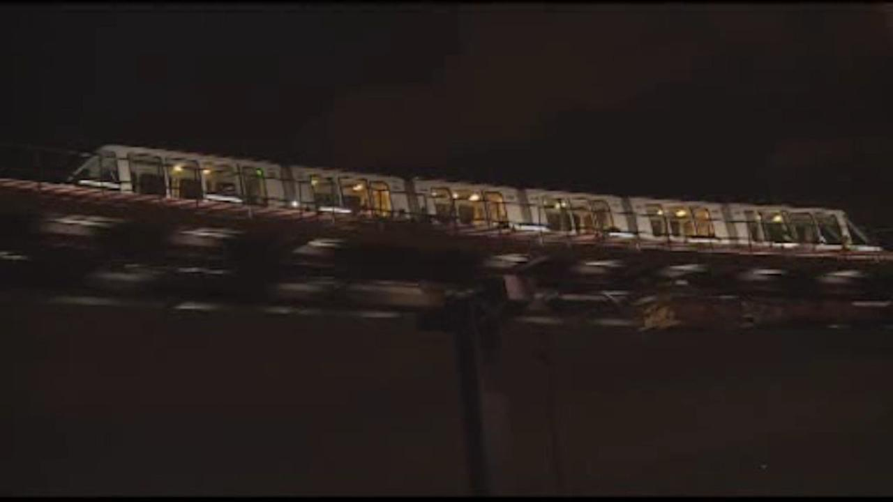 Newark Airport AirTrain service resumes after stuck trains issue