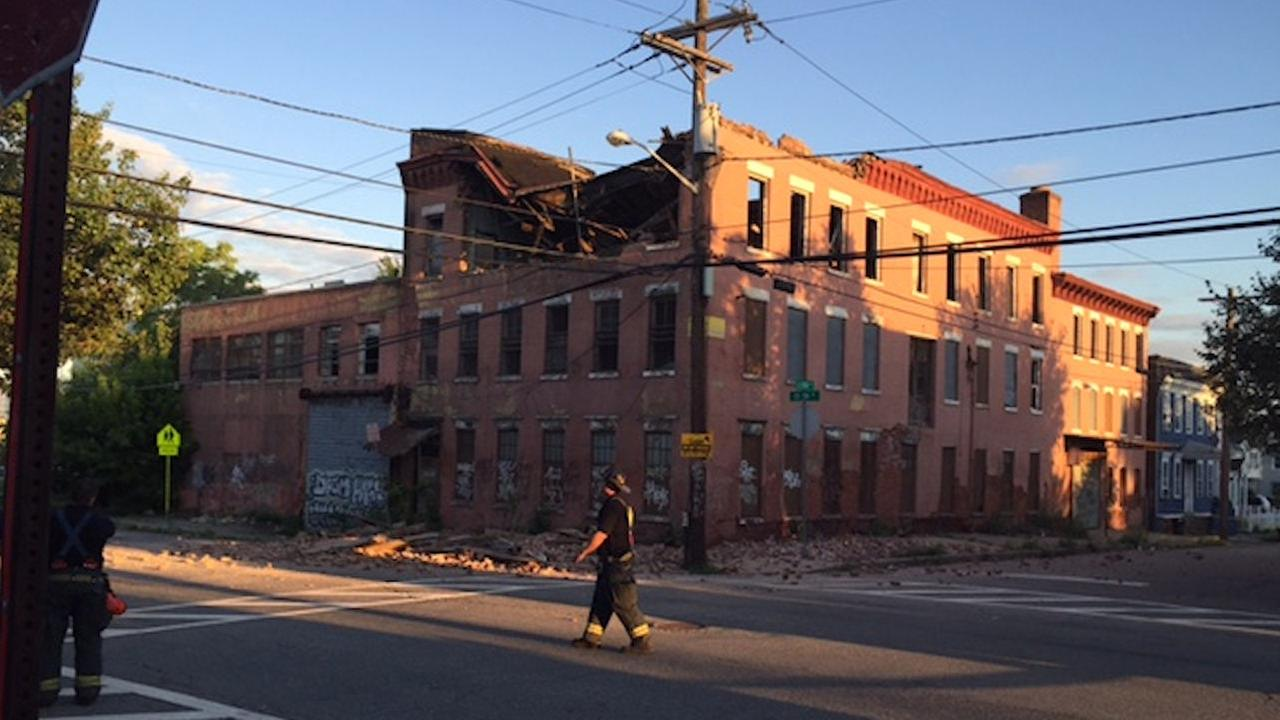 Partial building collapse in Newark injures 2 people
