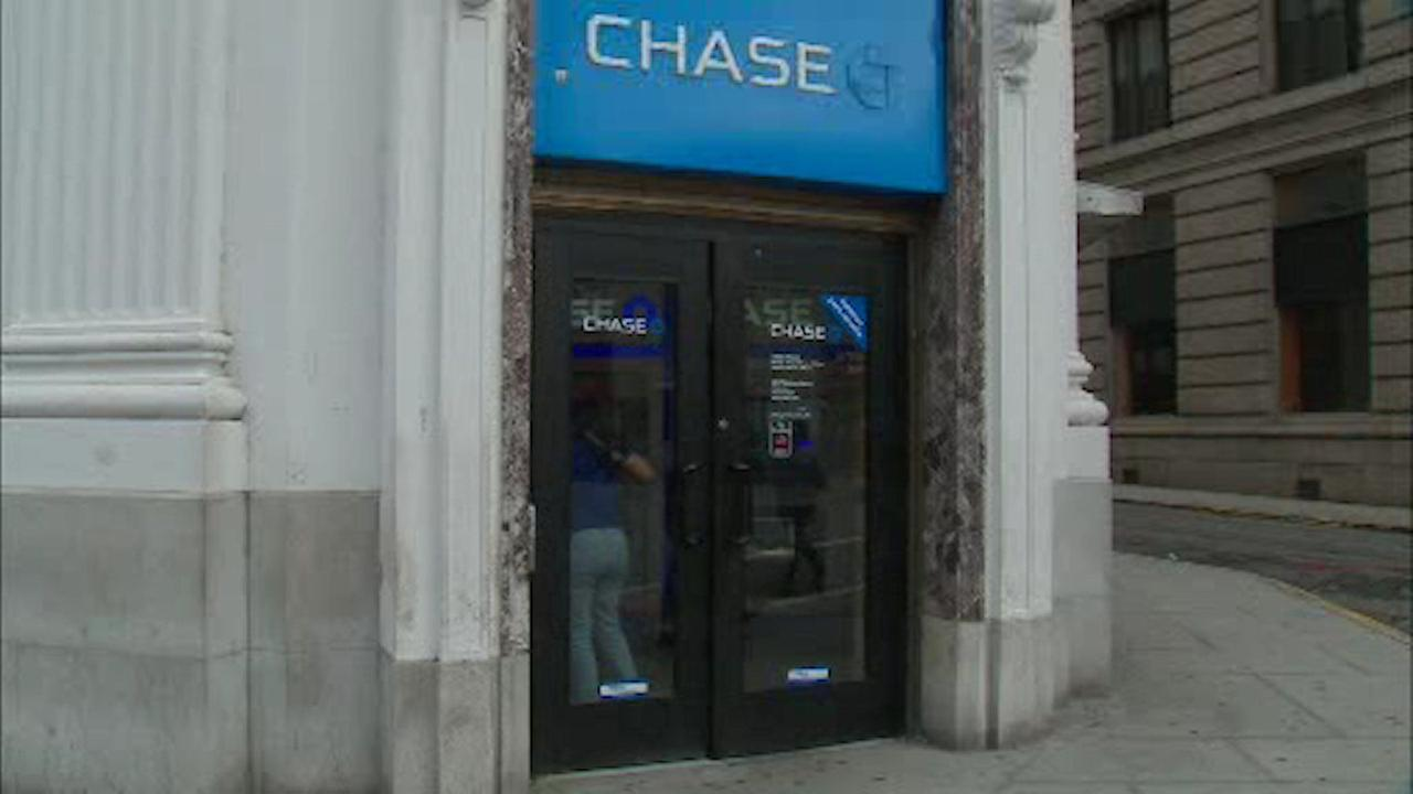Robbery victim traps suspect inside bank vestibule in Paterson