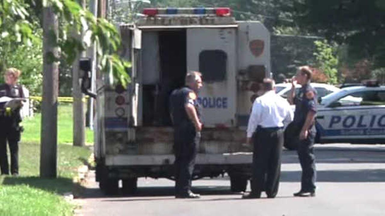 Police shoot man who stabbed officer in face in Central Islip home