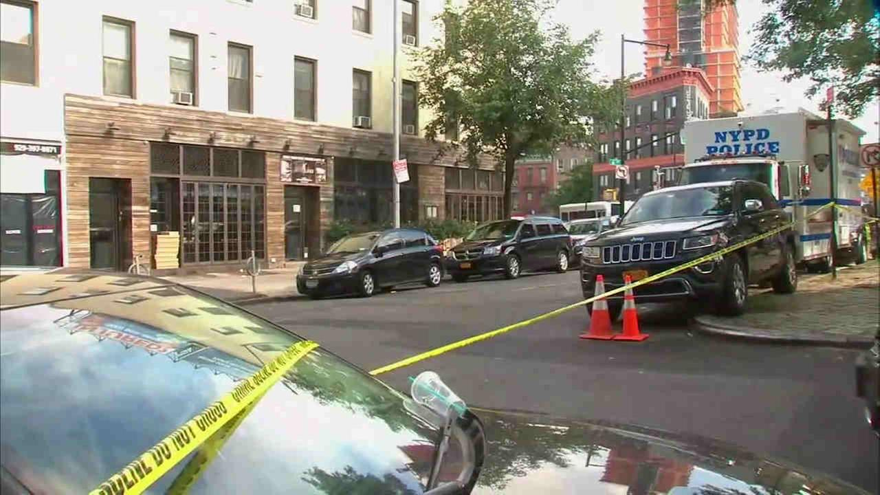 A man was shot in the leg while attempting to rob an off-duty NYPD officer in Brooklyn Monday night.