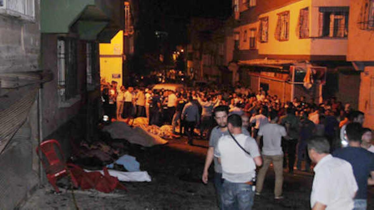People gather after an explosion in Gaziantep, southeastern Turkey, early Sunday, Aug. 21, 2016.   (Eyyup Burun/DHA via AP)e