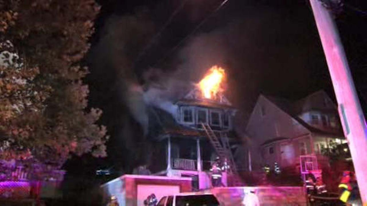 Overnight White Plains fire sends residents fleeing into street