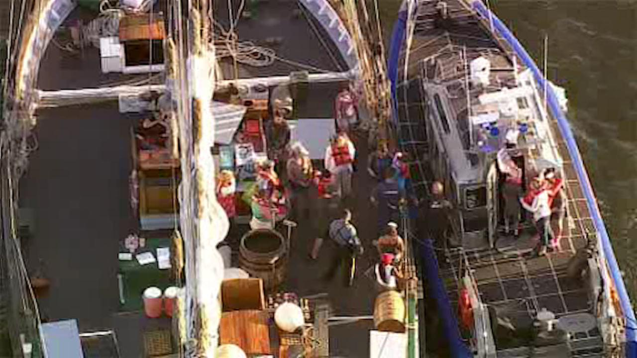 Children among group stranded on boat in Hudson River for short time