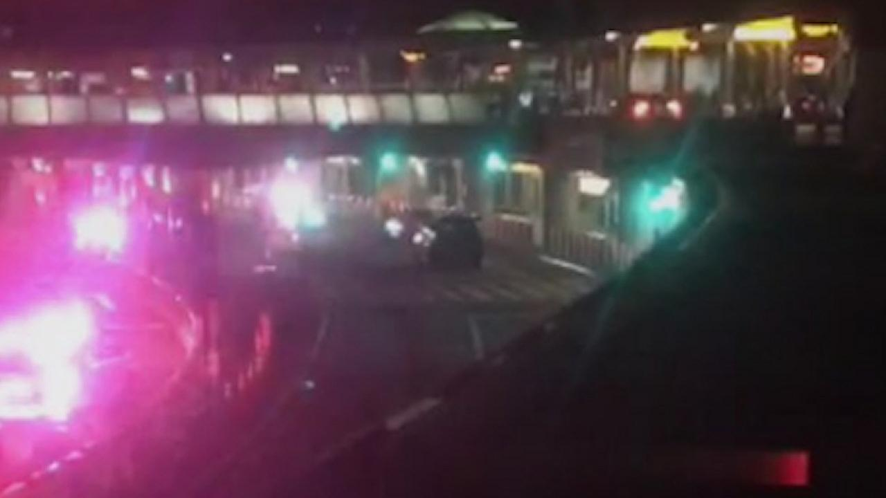 Police investigate unattended vehicle at LaGuardia Airport, deemed safe