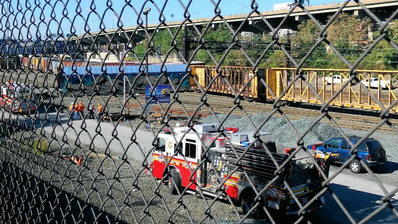 Freight train derails in the Bronx; Amtrak suspended between NY, CT
