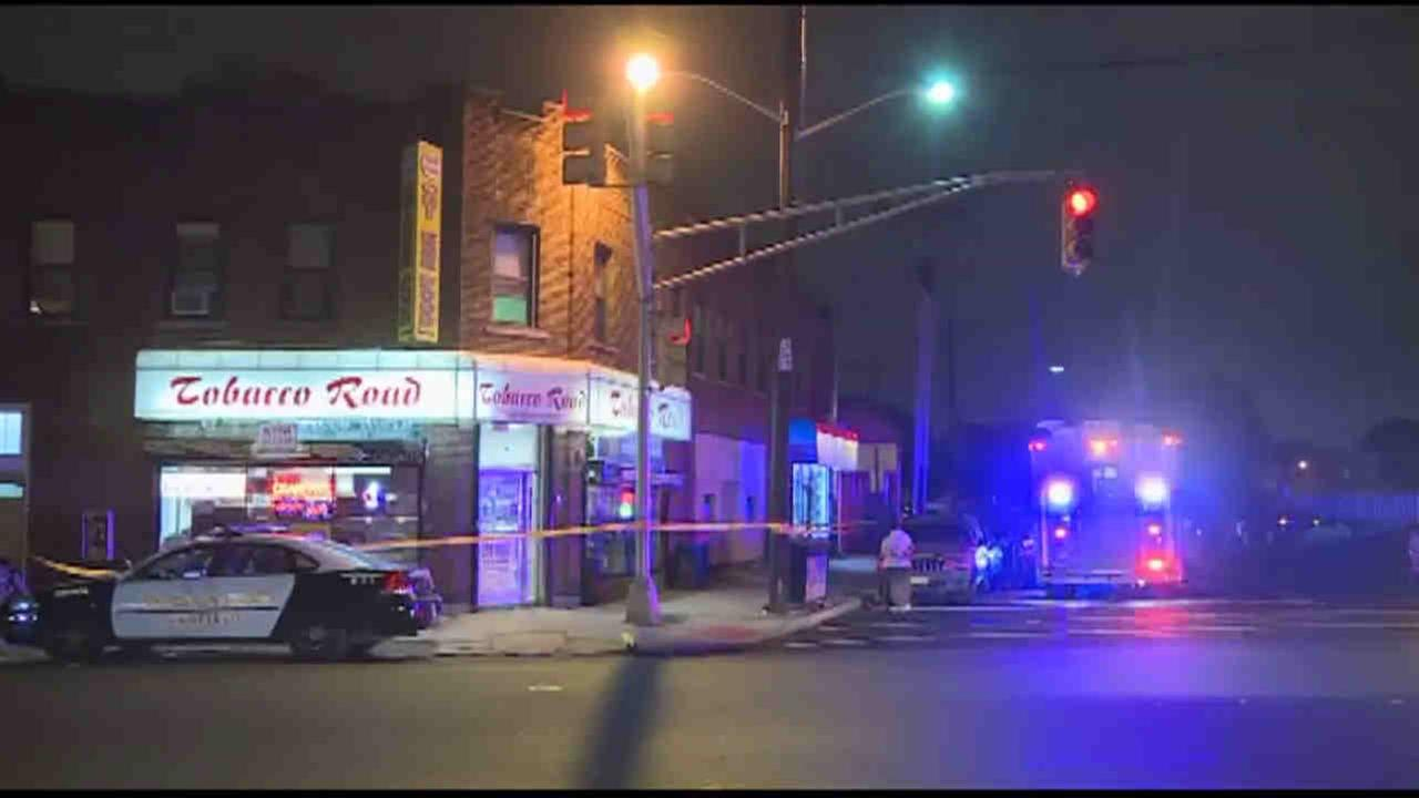 A man trying to rob a Garfield tobacco store was shot during the hold-up.