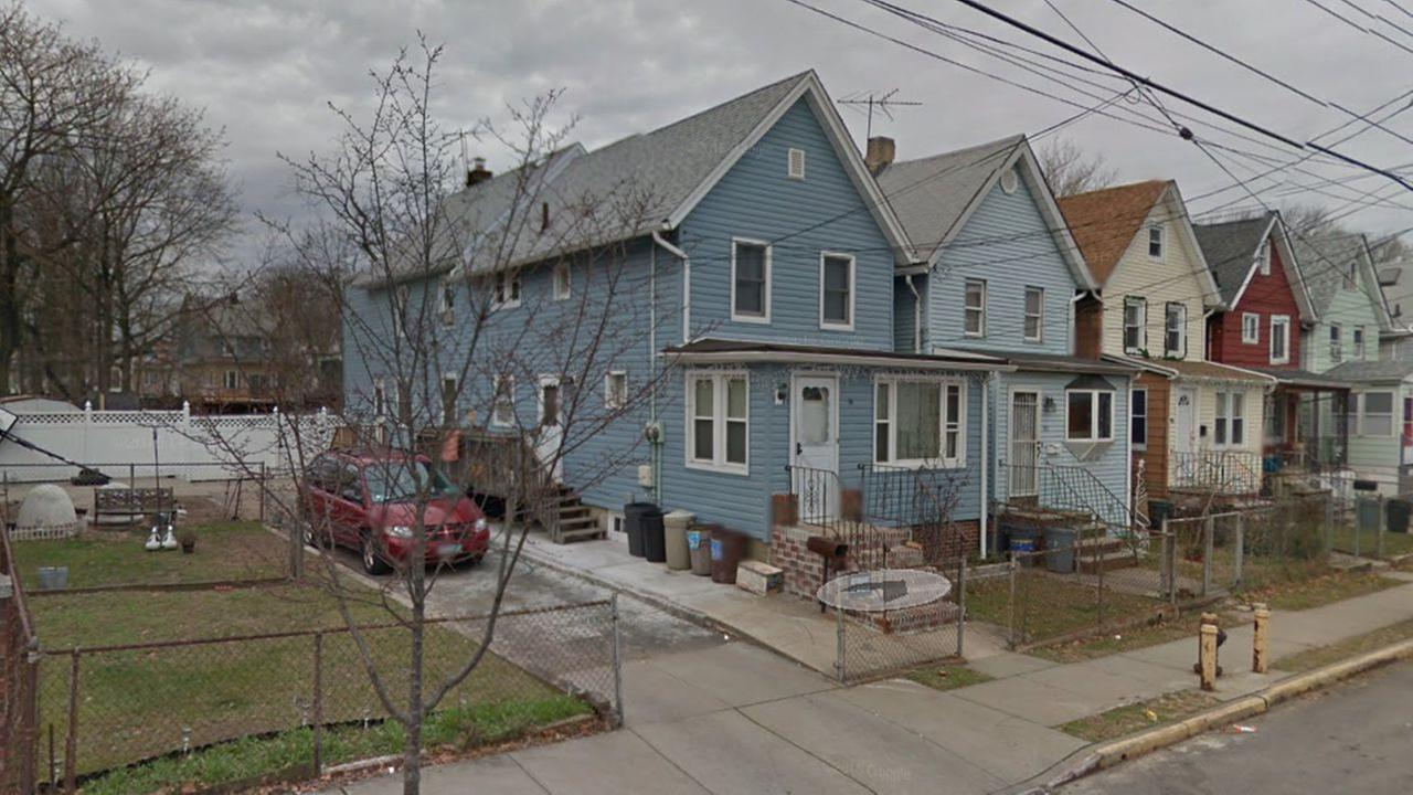 Woman found dead in Staten Island basement with bruises, bite marks