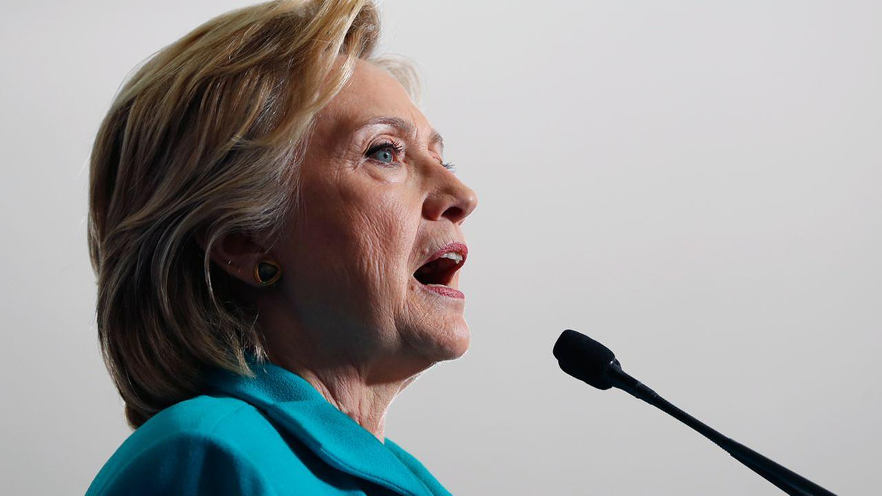 Clinton calls on FBI to immediately release all information it has on newly discovered emails