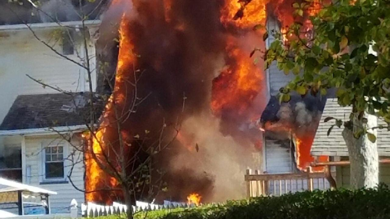 3 homes catch fire in Caldwell