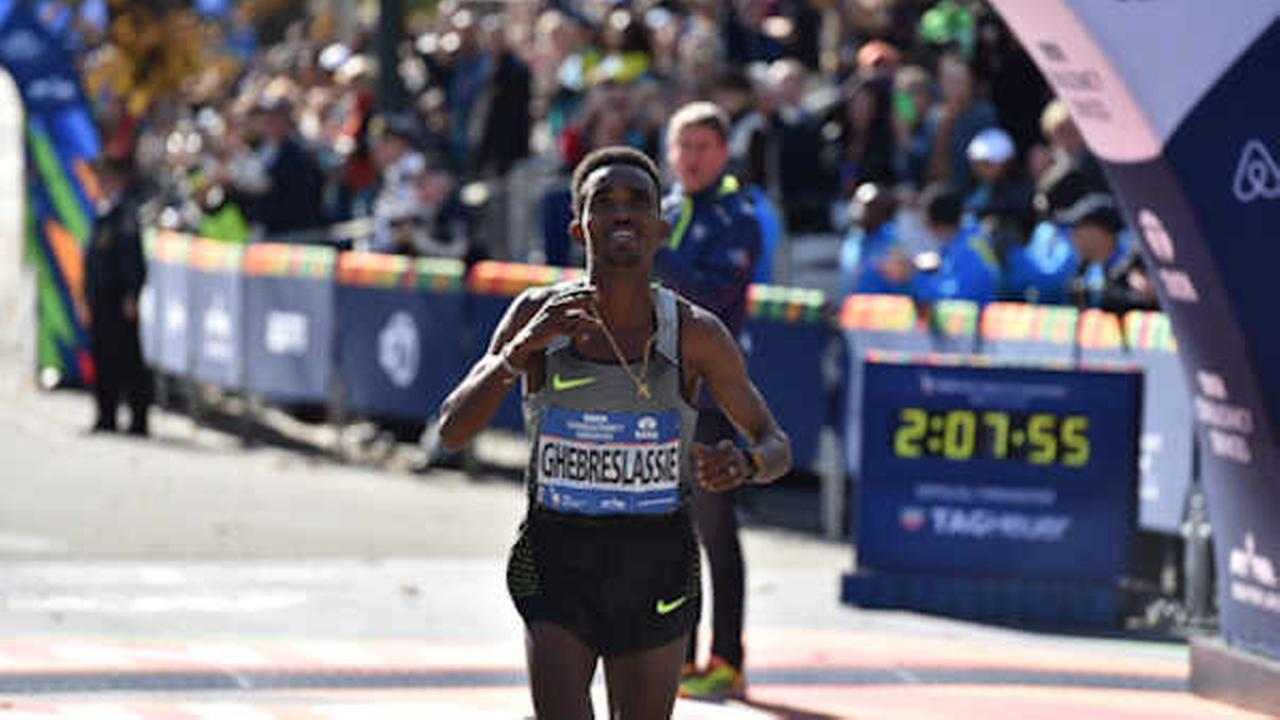 Eritreas Ghirmay Ghebreslassie won the 2016 TCS New York City Marathon in the mens field with an unofficial time of 2 hours, 7 minutes and 51 seconds.