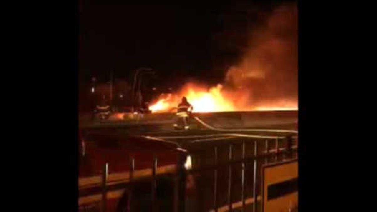 Massive car fire closes all lanes of Bronx-bound FDR Drive