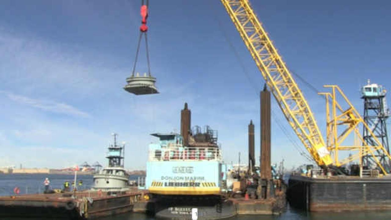 Exclusive: First parts of 'New York Wheel', America's tallest Ferris wheel, arrive on Staten Island