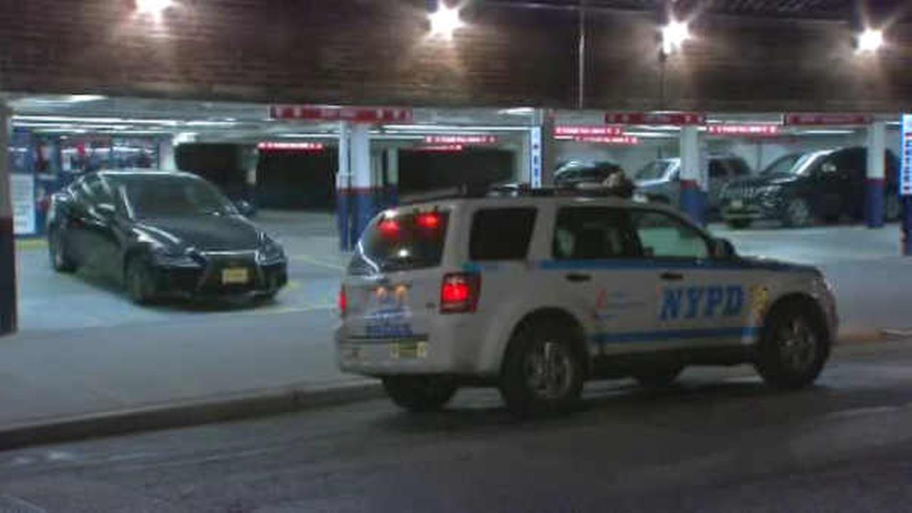 Man shot in parking garage in Midtown Manhattan