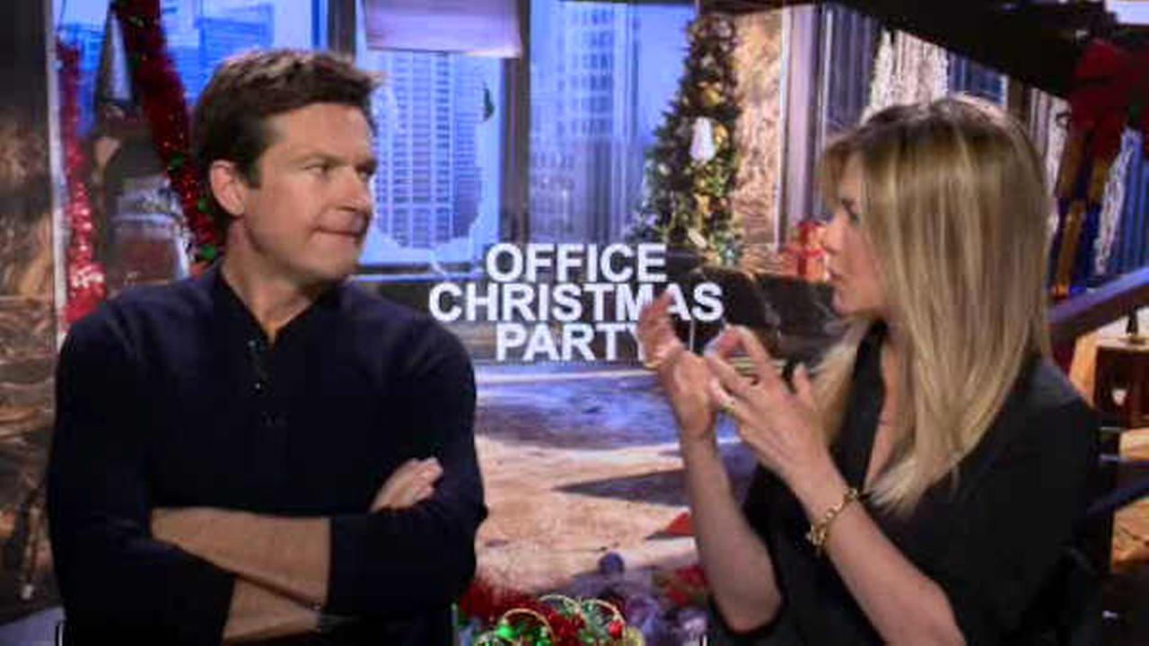 Jason Bateman, Jennifer Aniston star in new comedy, 'Office Christmas Party'