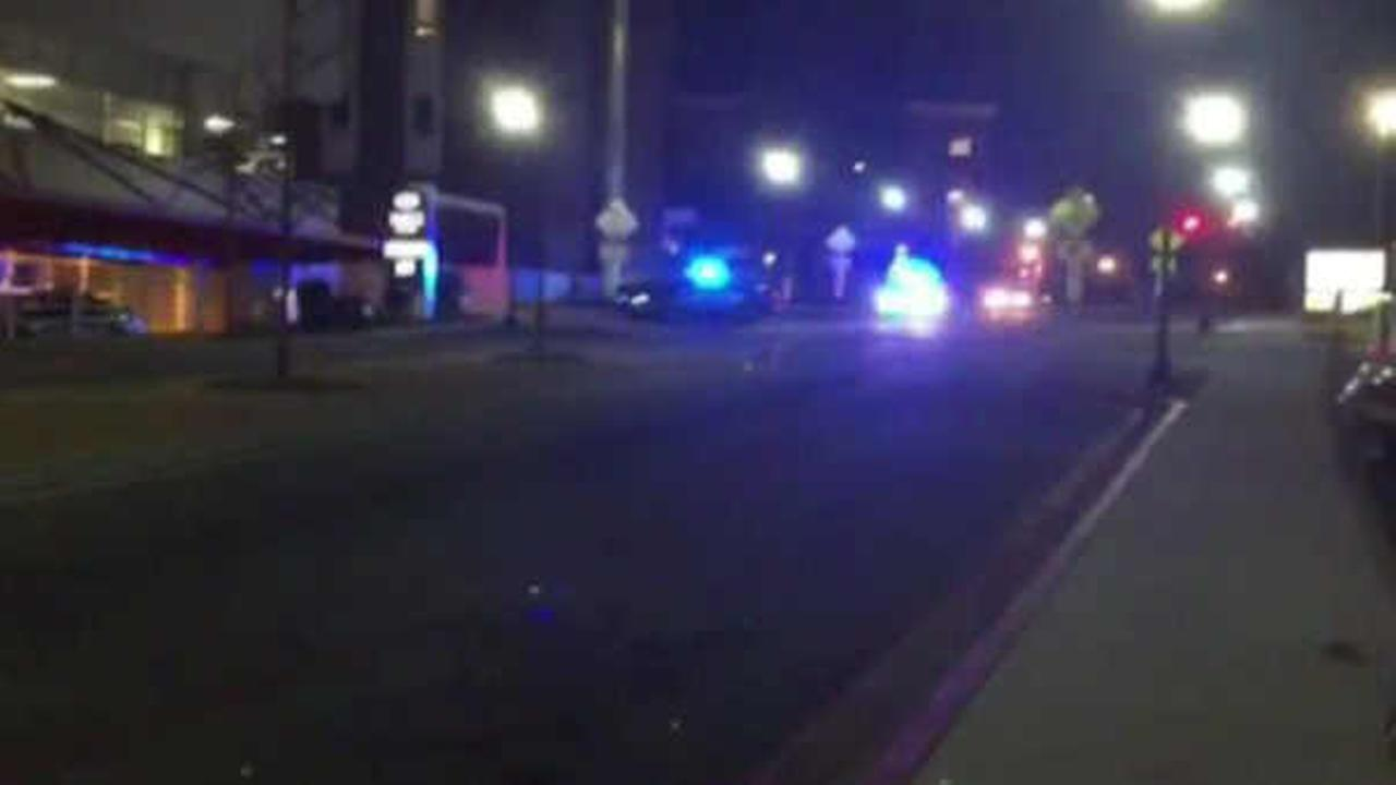 2 Georgia police officers shot while serving search warrant