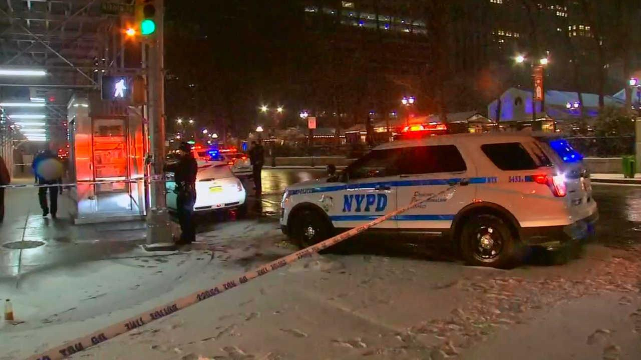 Victim ID'd in shooting near Bryant Park as police search for gunman