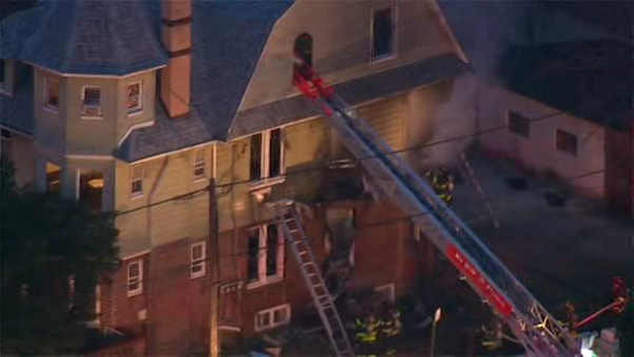 6 hurt when fire breaks out in home in Flatbush, Brooklyn