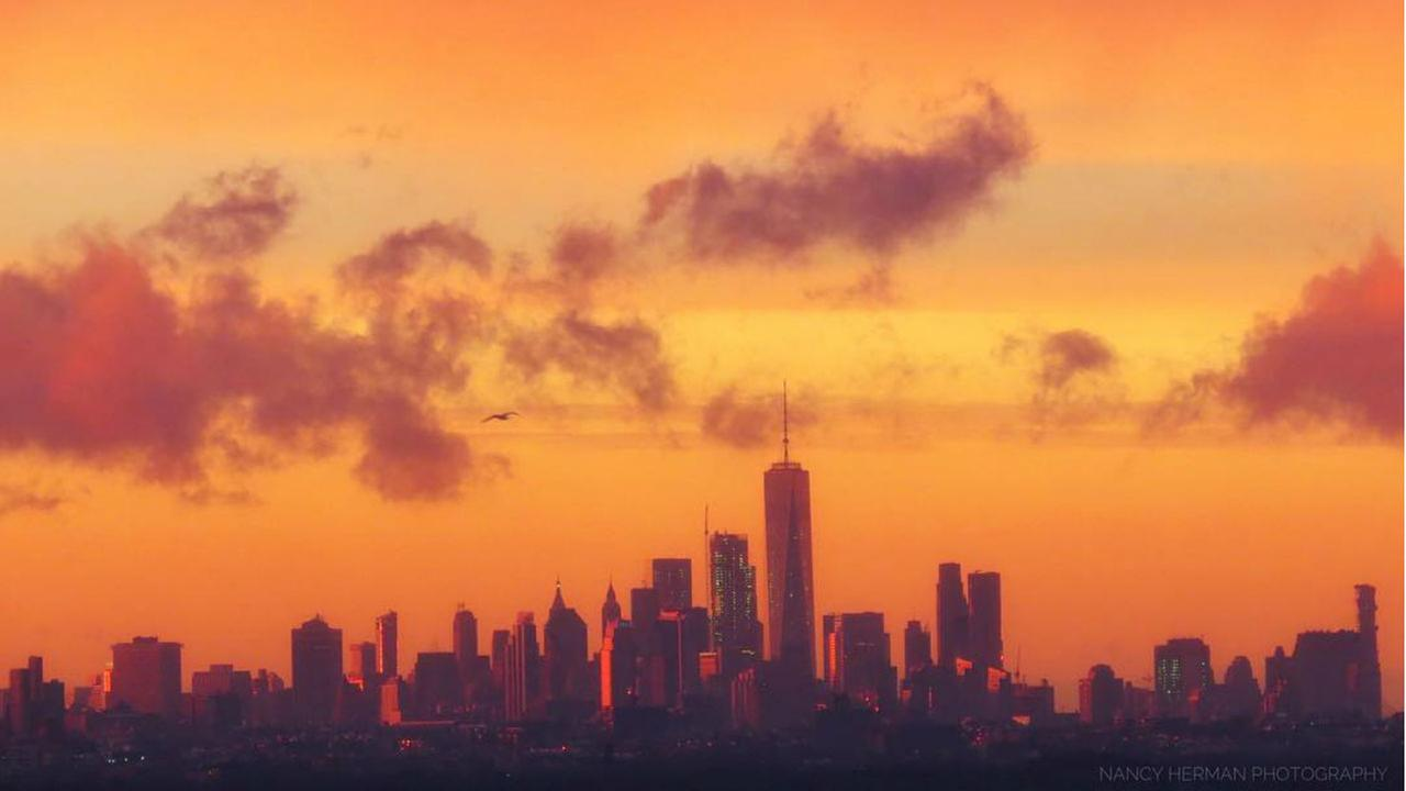 PHOTOS: 7 must-see pictures of Thursday's spectacular sunset in NYC