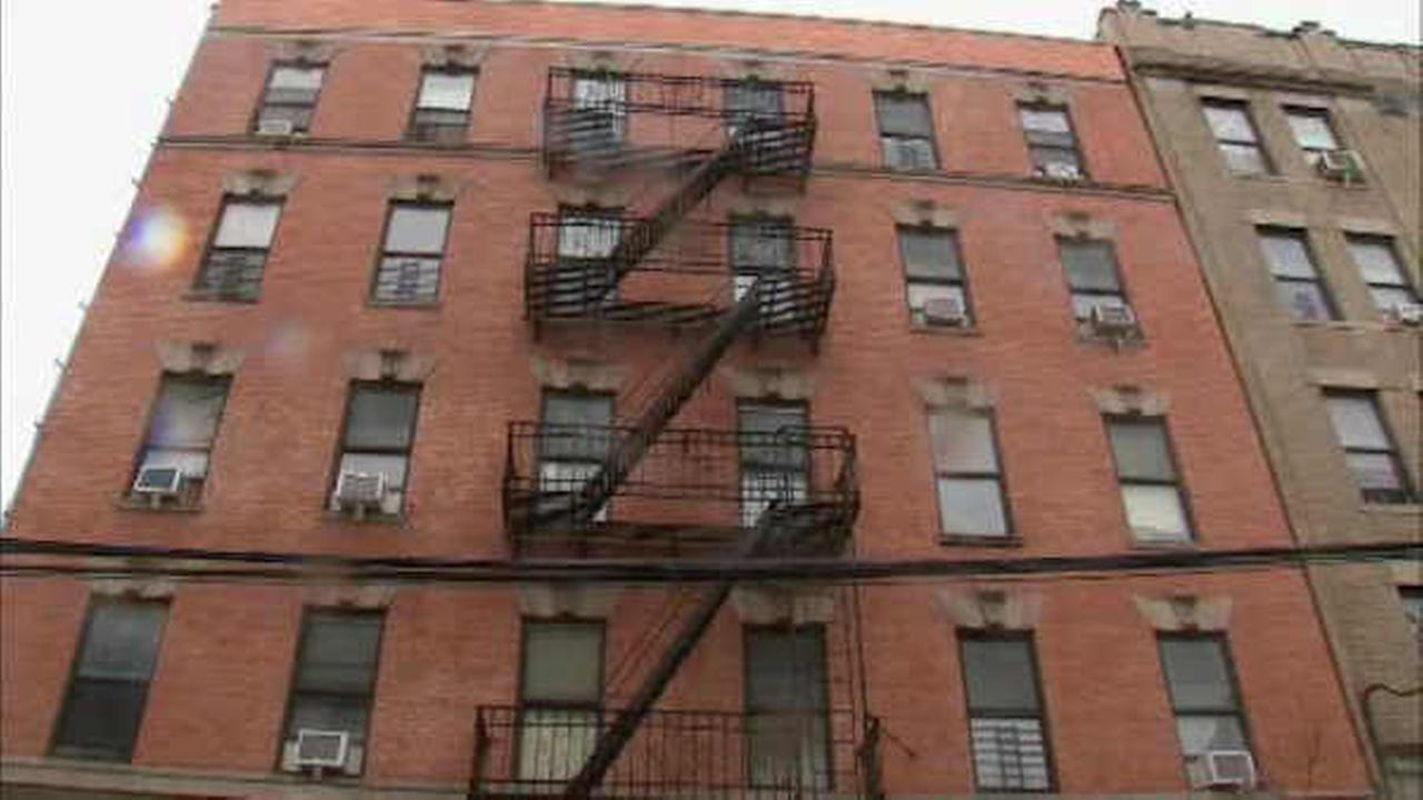 42-year-old man killed in stabbing inside Bronx apartment