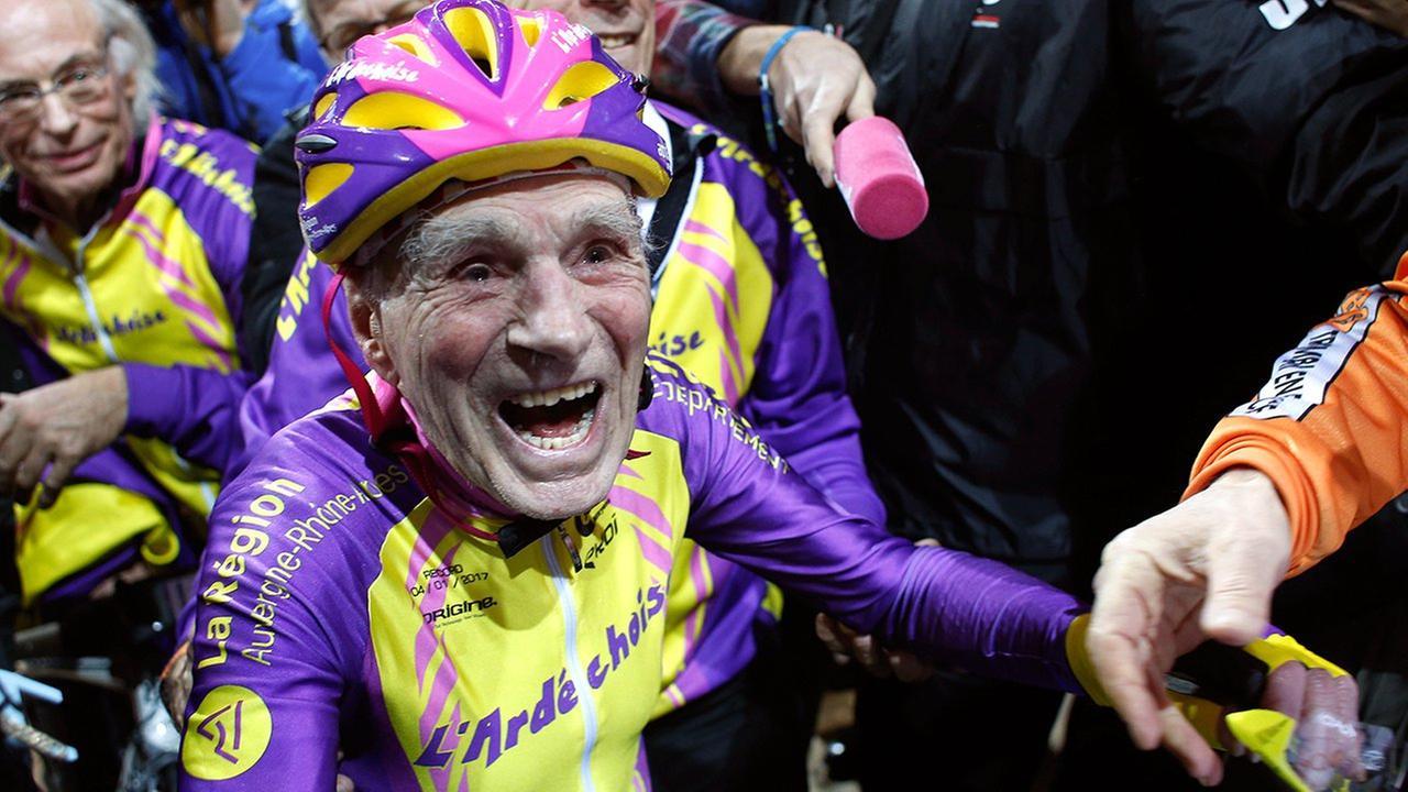 robert marchand 105 france cyclist