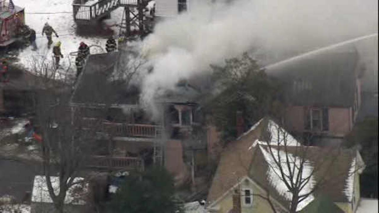 New Jersey mayor comes to rescue of woman in burning home