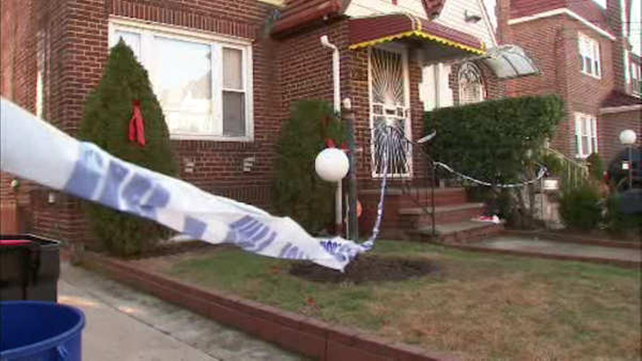 NYPD: Queens woman stabbed in the face; Suspect kills himself