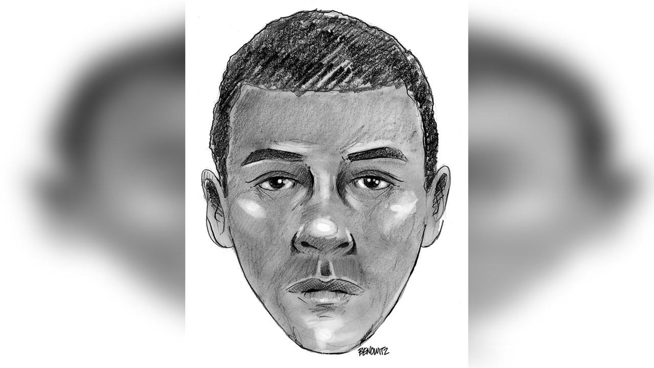 Police: Woman assaulted, robbed in Central Park in broad daylight