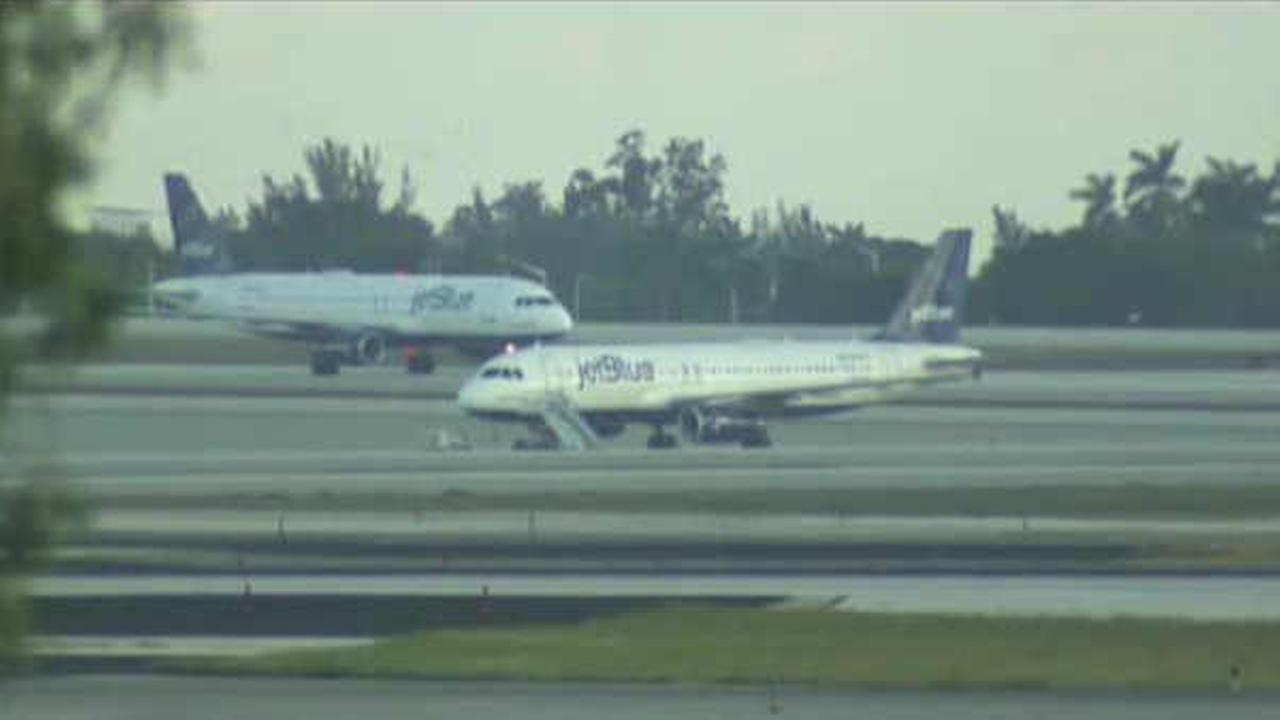 JetBlue flight from Newark forced to divert after bomb threat note found