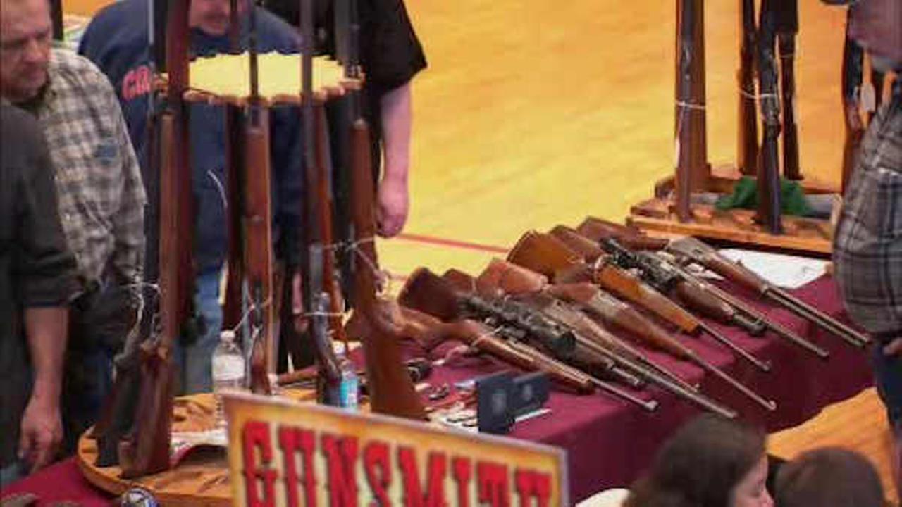 Gun show in Westchester continues despite efforts to ban it