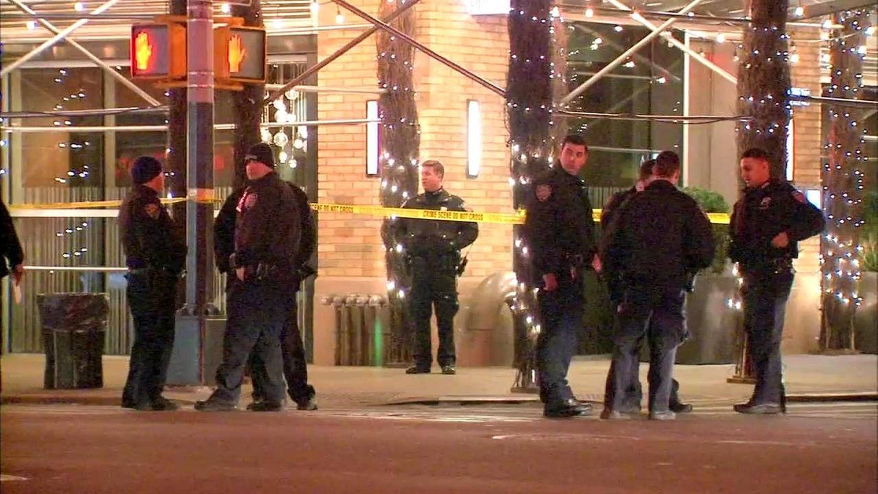 Sources: Known gang member shot outside Hell's Kitchen hotel