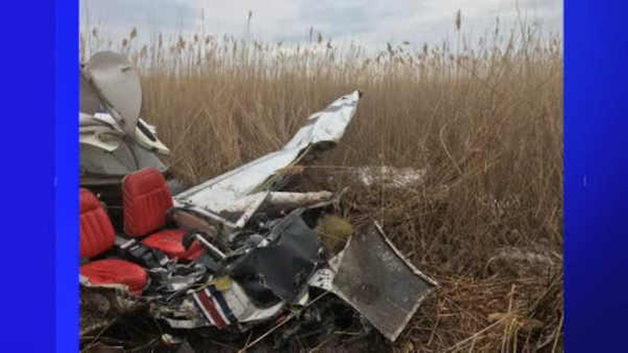 Man killed when flight school plane crashes in swamp near runway in Connecticut