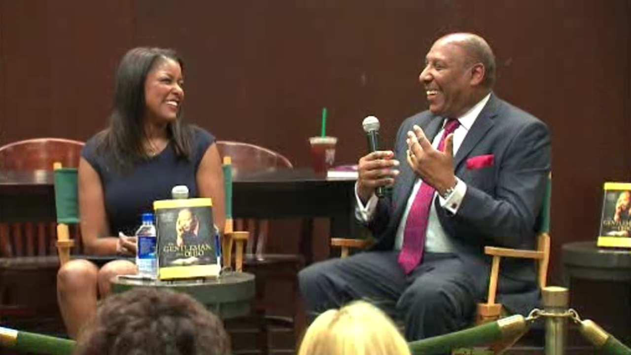 Lori Stokes holds discussion on late father's new autobiography