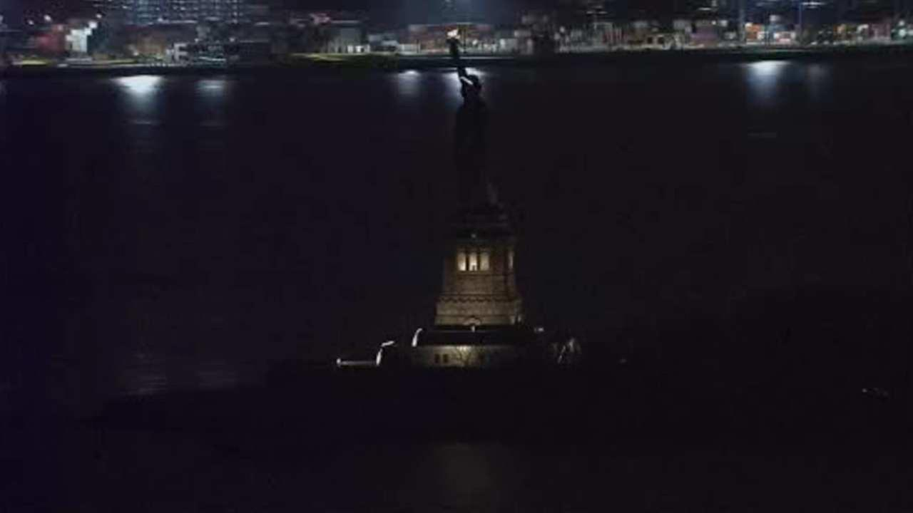 Statue of Liberty's lights go out during unplanned outage