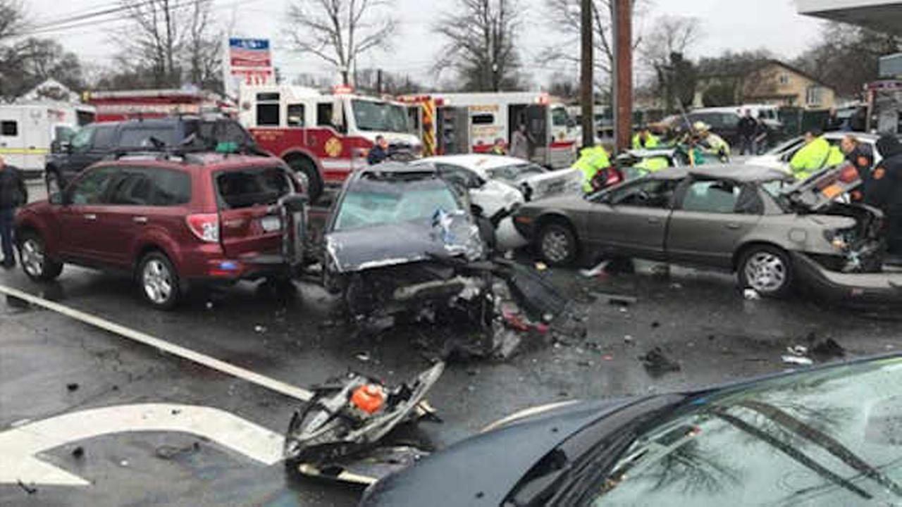 9 people injured in 10-car accident in North Amityville, Long Island ...