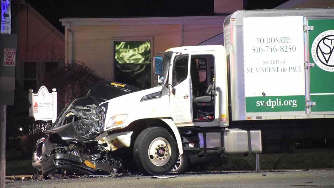 One killed in wreck in Baldwin.