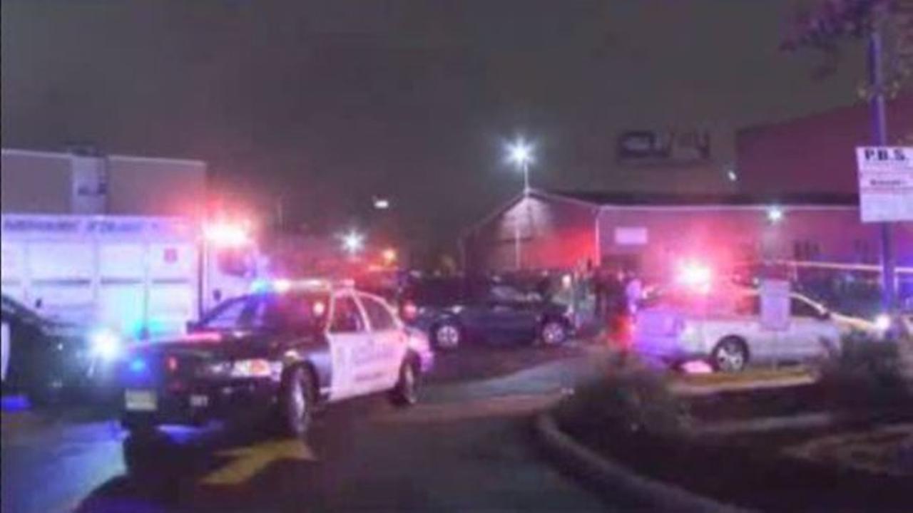 Man fatally shot in head in Newark parking lot