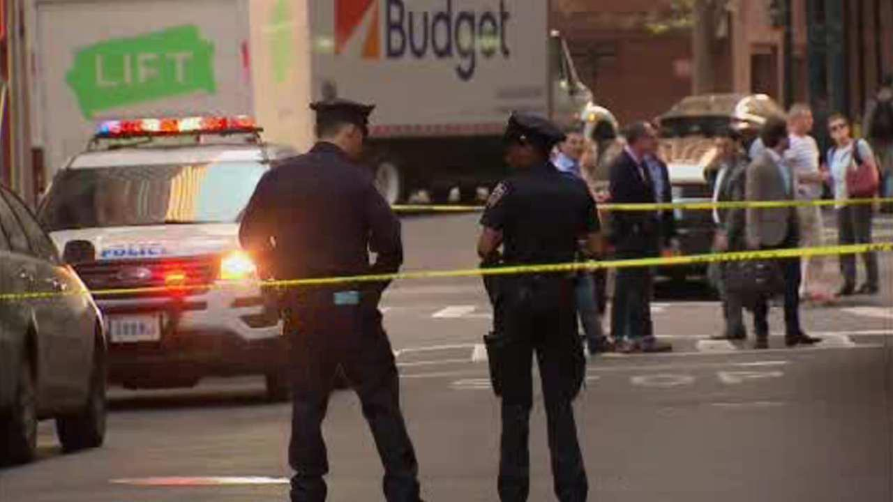 Shot fired on Wall Street in parking dispute; man arrested
