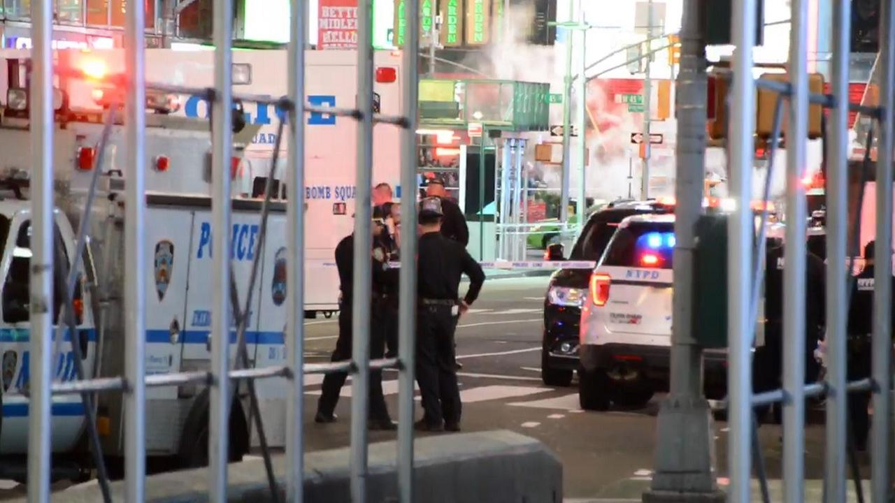 Police: All-clear given after Times Square suspicious package investigation