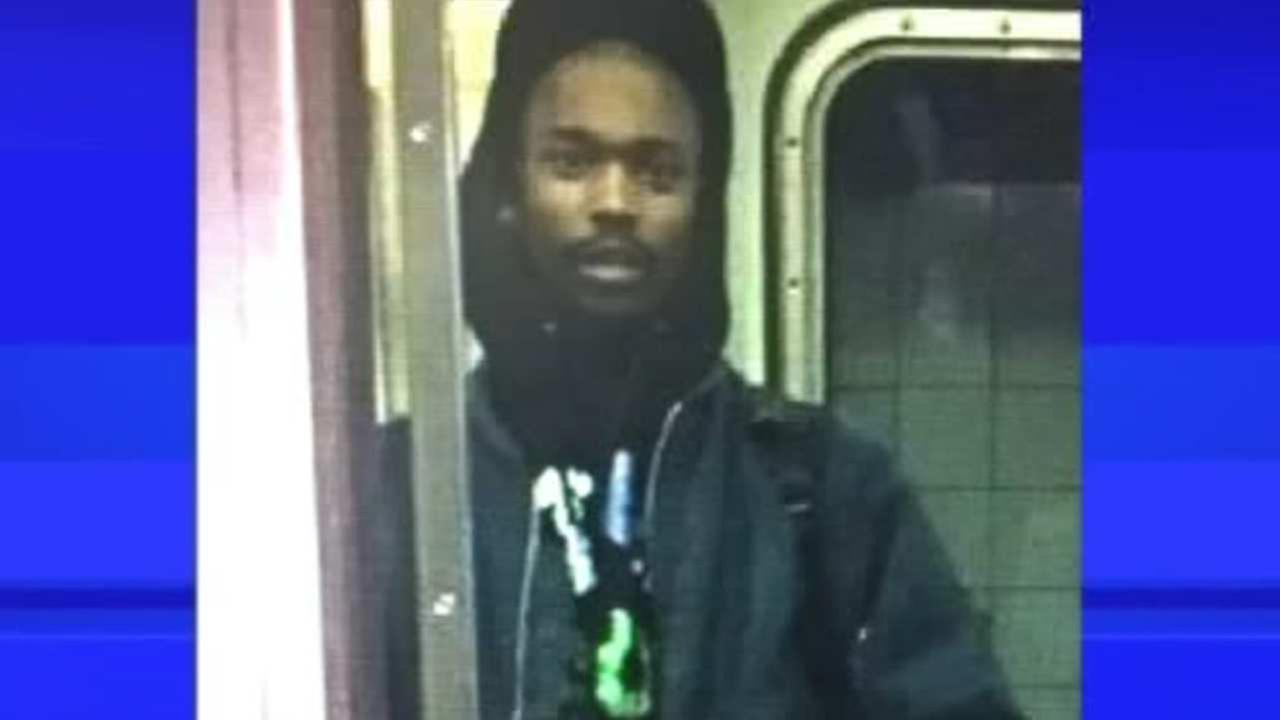 Search for suspect that punched man in face on subway