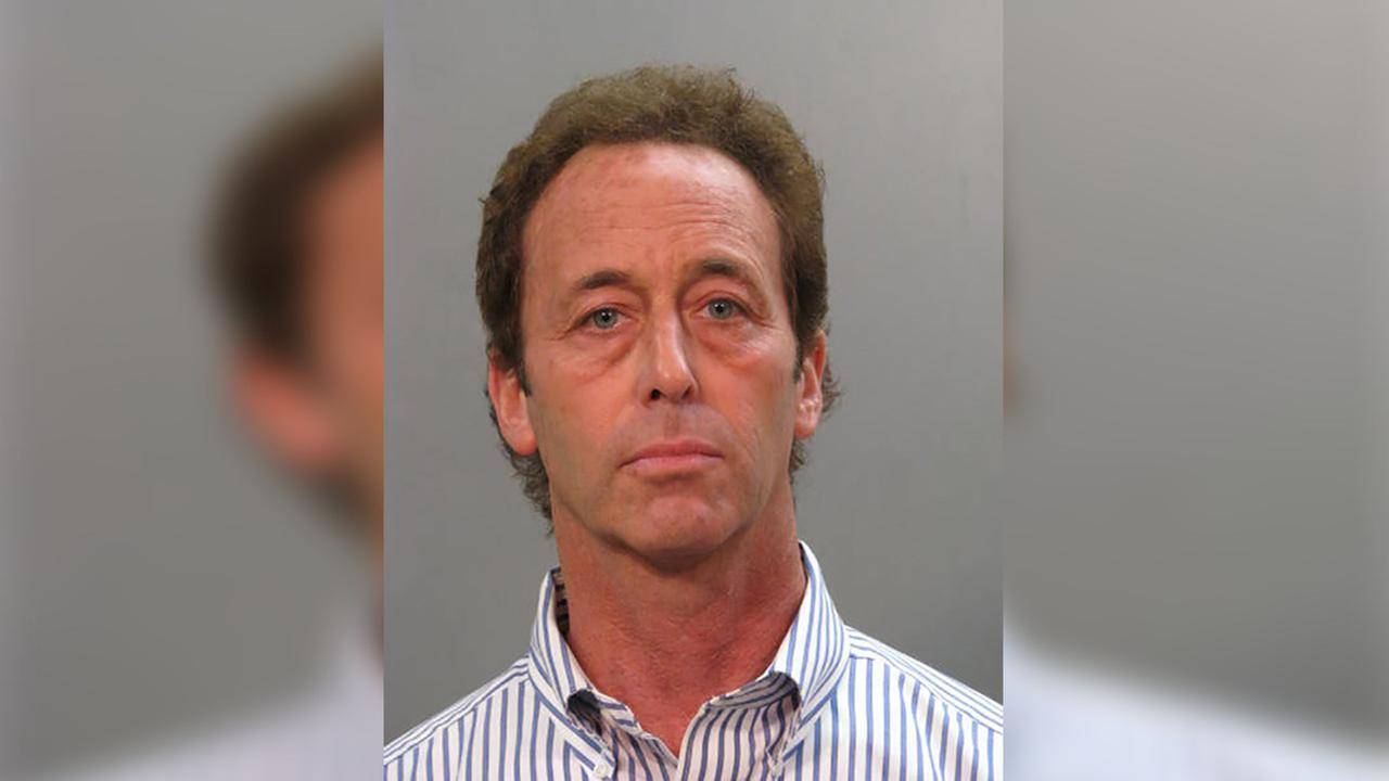 Long Island man arrested for allegedly stealing over $200k from college students since 2013